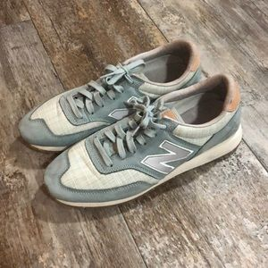 New Balance | Old School Style Tennis Shoes Size 9